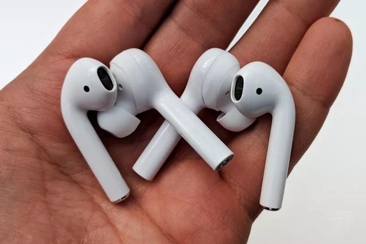 Tai nghe bluetooth của Huawei : FreeBuds