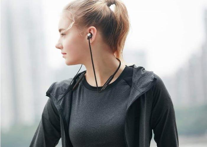 trang bị pin với dung lượng lơn 170 mAh nên tai nghe có thời gian chờ khá lâu với 250h