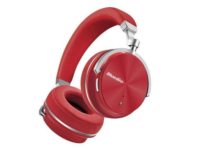 Thiết kế tai nghe bluetooth Bluedio T4s với kiểu cốc xoay và cơ chế gập phẳng