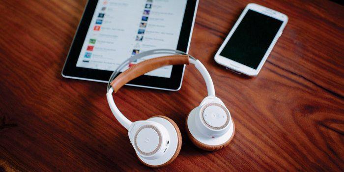 Cài đặt thêm với App Plantronics Hub cho tai nghe bluetooth BackBeat SENSE