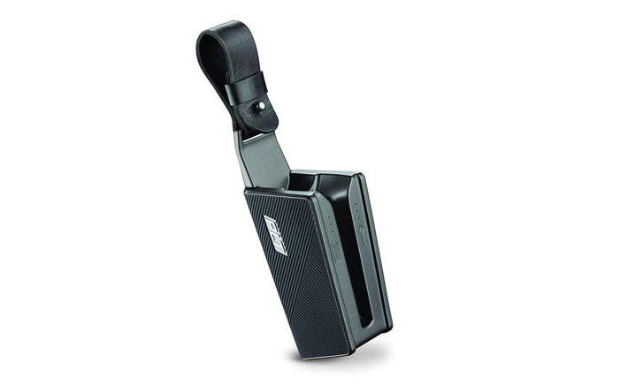 Trên thân hộp sạc có 1 dãy đèn tín hiệu báo. 1 bên báo pin của tai nghe và 1 bên báo pin của hộp sạc
