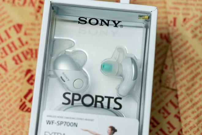 Đánh giá mẫu tai nghe thể thao Sony WF-SP700N