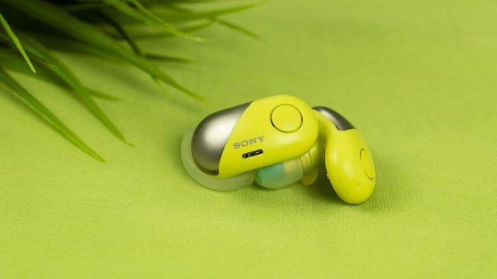 Nghe trực tiếp qua Bluetooth và tính năng nghe một chạm NFC vô cùng tiện lợi. Với công nghệ giao tiếp tầm ngắn (NFC)
