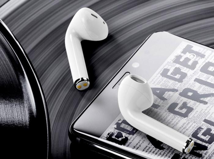 Mẫu tai nghe có âm thanh tốt, phù hợp với việc chơi thể thao, chống nước , chống mồ hôi , phù hợp cho tập GYM