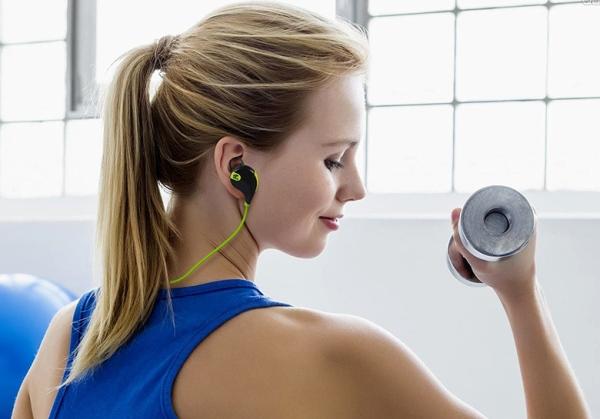 nên mua tai nghe chính hãng, và nên test trước khi mua cho phù hợp với bản thân